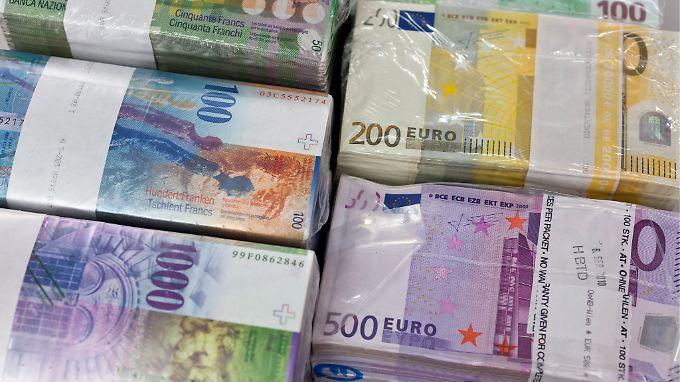 Besser im eigenen Keller als bei der EZB: Die Kosten für Transport, Diebstahlschutz und Versicherungen liegen angeblich unter den Ausgaben für Strafzinsen.