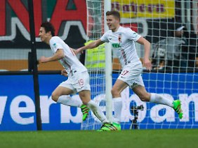 Trotz seines Dreierpacks wird Augsburgs Ja-Cheol Koo das Heimspiel gegen Leverkusen nicht in allzu guter Erinnerung bleiben, denn Bayern kam nach 0:3-Rückstand noch zurück.