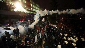 """""""Staatlicher Angriff auf Pressefreiheit"""": Stürmung von """"Zaman"""" sorgt für Zündstoff vor EU-Türkei-Gipfel"""