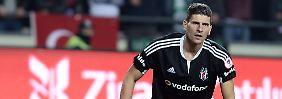 + Fußball, Transfers, Gerüchte +: Gomez erzielt seinen fünften Doppel-Pack