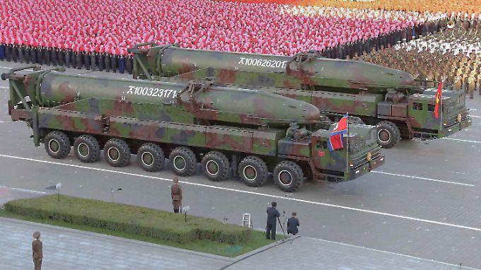 Kann Nordkorea tatsächlich Langstrecken-Raketen mit Atomsprengköpfen bestücken? Machthaber Kim behauptet: ja.