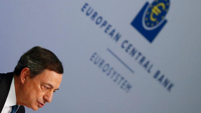 Weitere Lockerung der Geldpolitik: EZB schafft Zinsen ab und weitet Geldflut massiv aus