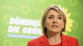 Simone Peter ist Bundesvorsitzende der Grünen und hält sich zurzeit in Griechenland auf.