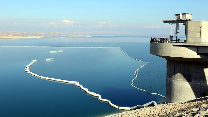 Der See, der vom Mossul-Damm gestaut wird, hat eine Fläche von mehr als 350 Quadratkilometern.