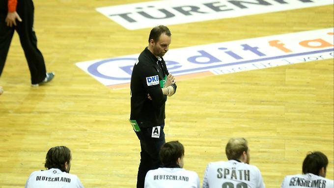 Die Niederlage gegen Katar wurmt Deutschlands Coach Dagur Sigurdsson.