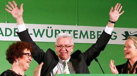 Kretschmann jubelt - aber ob er Ministerpräsident bleiben kann, ist noch nicht sicher.