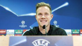 Geht er, oder bleibt er? Marc-André ter Stegen lässt seine Zukunft in Barcelona offen.
