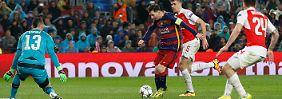 Triple-Traum lebt weiter: Barca hält sich locker Arsenal vom Hals