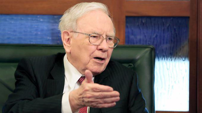 """Warren Buffetts Ethos: """"Man kann nicht vorhersagen, was eine Aktie tun wird … kurzfristig. Aber man kann vorhersagen, dass die amerikanischen Unternehmen sich im Lauf der Zeit gut entwickeln werden."""""""