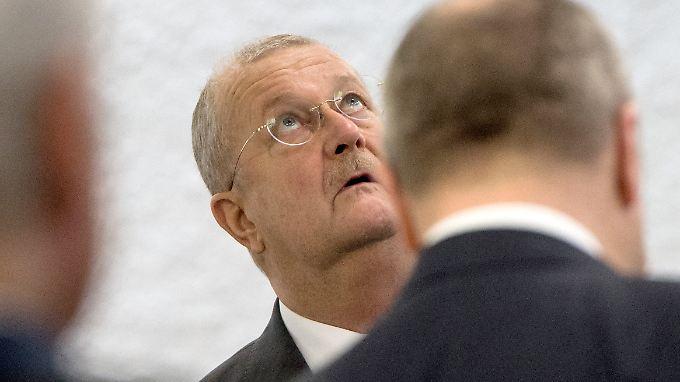 Der ehemalige Vorstandsvorsitzende der Porsche Automobil Holding SE, Wendelin Wiedeking, vor Gericht.