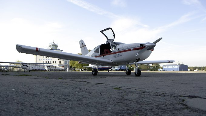 Die Schlepper brachten die Flüchtlinge per Kleinflugzeug nach Italien.