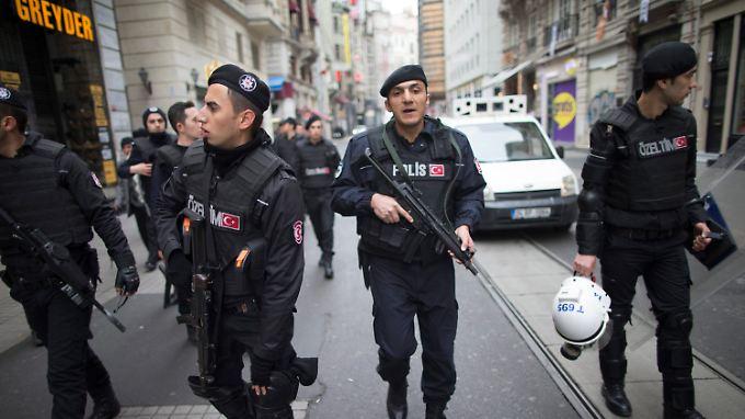 Ein Attentäter hatte sich in einer beliebten Einkaufsstraße in die Luft gesprengt.