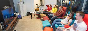92 Stunden vor der Mattscheibe: Österreicher stellen TV-Rekord auf