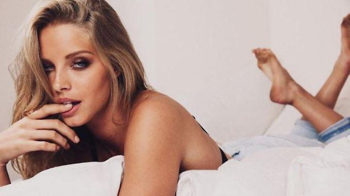 Abby Champion modelt gern Bikinis. Sie ist die neue Frau an der Seite von Arnies Spross Patrick Schwarzenegger.