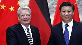 Bundespräsident Gauck mit seinem chinesischen Amtskollegen Xi Jinping.