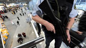 Detonationen in Brüssel: Deutsche Flughäfen fahren Sicherheitsmaßnahmen hoch