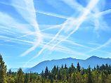 Bio-Kraftstoff-Mix soll helfen: So stoßen Flugzeuge weniger Ruß aus