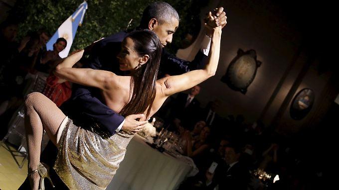 Promi-News des Tages: Obama legt beim Staatsbesuch flotte Sohle auf Parkett