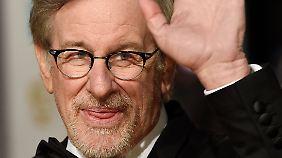 """Steven Spielberg hat große Kinoerfolge gefeiert. Doch für kleinere Projekte wie """"Lincoln"""" oder """"Bridge of Spies"""" muss auch er kämpfen."""