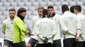 Spannender Test gegen Italien: Defensive bereitet Joachim Löw noch Sorgen