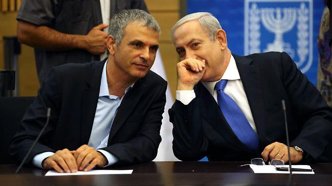Israels Finanzminister Mosche Kachlon und Ministerpräsident Benjamin Netanjahu.