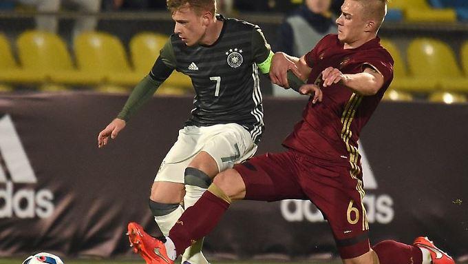 Mit dem Sieg über Russland behält das deutsche U21-Team um Max Meyer die weiße Weste in der EM-Qualifikation.