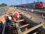 Sperrungen, Umwege, Verspätungen: Worauf sich Bahnkunden einstellen müssen