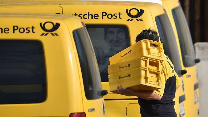 Die bisherige Fahrzeug-Flotte der Deutschen Post soll nach und nach durch Elektro-Transporter ersetzt werden.