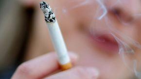 Drogenkonsum bei Jugendlichen: 12- bis 17-Jährige greifen seltener zur Zigarette