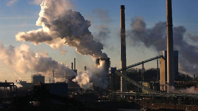 Schwerindustrie in Schwierigkeiten: Deutschlands größtes Stahlwerk steht in Duisburg.