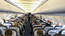 Viele Passagiere vergessen Wertgegenstände im Flugzeug. Kriminelle Flughafen-Mitarbeiter haben dann leichtes Spiel.