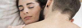 Mit oder ohne Kondom: Wann verhüten Männer und wann nicht?