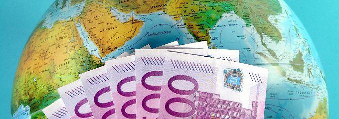 Für eine Festgeldanlage von drei Jahren bekommen Sparer derzeit bei ausländischen Anbietern bis zu 1,5 Prozent Zinsen.