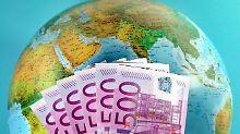 Günstig global investiert: So kauft man die Welt