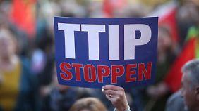 Intransparent und beängstigend: Ablehnung von TTIP nimmt weiter zu