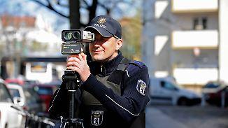 Kuriose Ausreden: Polizei erwischt nur wenige Raser beim Blitzmarathon