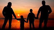 In einer Patchwork-Familie leben Kinder, die von unterschiedlichen Eltern stammen. Foto:Patrick Pleul