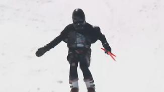 Verrückter Ski-Parkour in Montana: Wenn Donald Trump und Darth Vader über Schnee und Wasser rasen