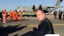 Airbus-Chef Thomas Enders vor dem Sorgenkind.