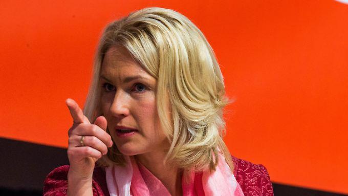 Bundesfamilienministerin Manuela Schwesig wünscht sich mehr männliches Engagement gegen Sexismus.