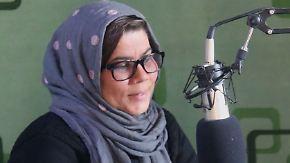 Lebensgefährliche Arbeit in Afghanistan: Radiomoderatorin trotzt Taliban und Morddrohungen