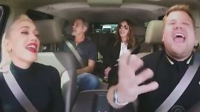 Promi-News des Tages: Promi-Trio legt eindrucksvolle Gesangseinlage im Taxi hin