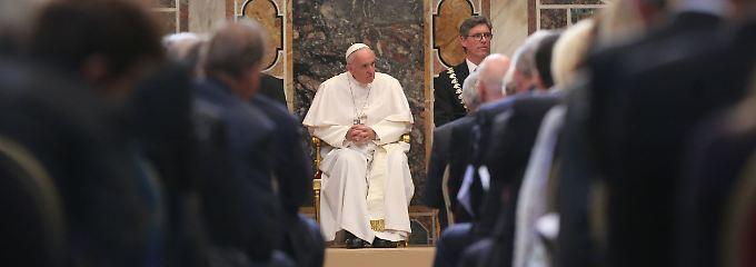 """Papst appelliert an Gemeinschaft: """"Was ist mit dir los, Europa?"""""""