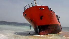 Ohne Crew und mit Brandspuren: Geisterschiff strandet an liberischer Küste