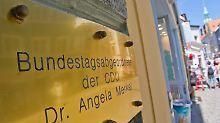 Hass auf die Kanzlerin in Stralsund: Schweinekopf liegt vor Merkels Büro