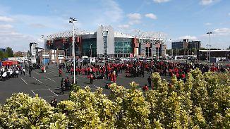 Premier-League-Spiel abgesagt: Bombenattrappe sorgt für Aufregung in Manchester