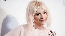 Rächt sich jetzt ihr Peiniger?: Kesha darf nicht auftreten