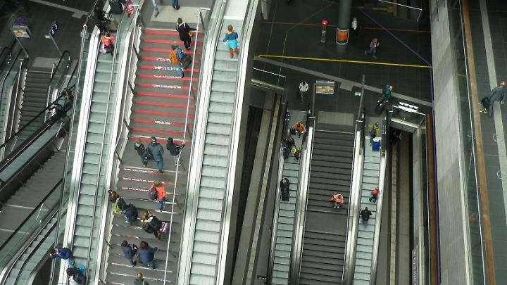 Der Berliner Hauptbahnhof ist ein großes Drehkreuz für den deutschen und internationalen Fernverkehr.