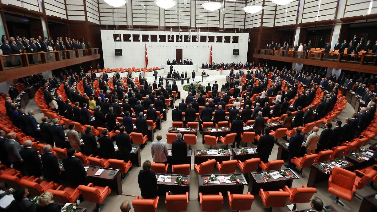 Spiel Parlament