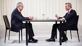 Grün gegen Blau: Bundespräsidentenwahl spaltet Österreich